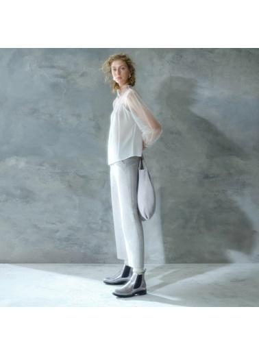 Yargıcı Dik Yakalı Bluz Beyaz